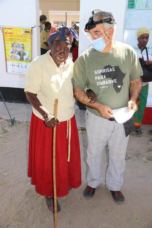 2015 quinta expedición a Zimbabwe Smile is a Foundation