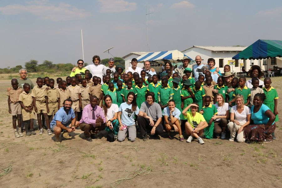 2015 quinta expedición a Zimbabwe Smile is a Foundation