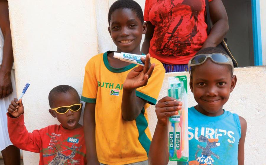 2016 sexta expedición a Zimbabwe Smile is a Foundation