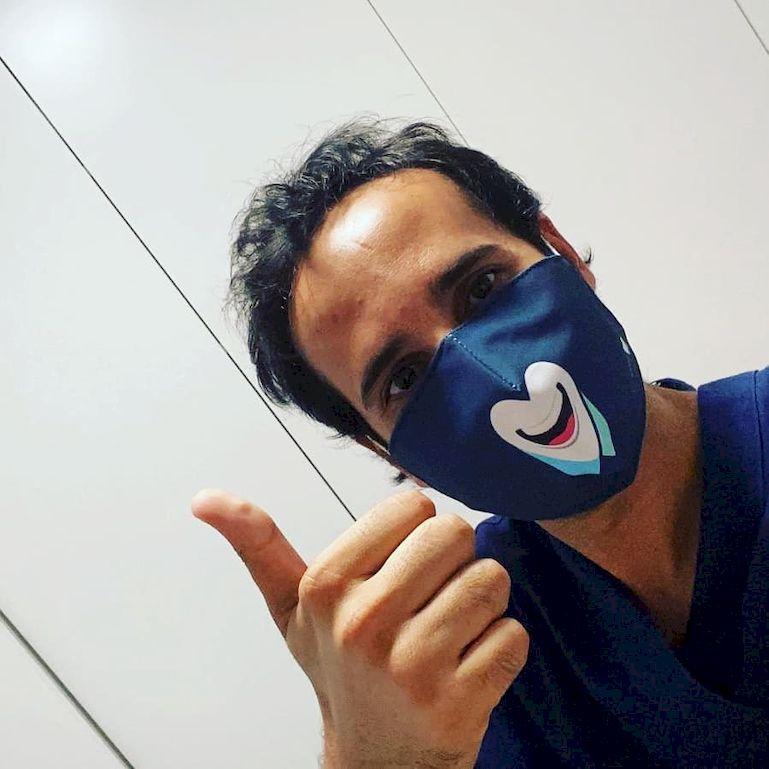 Colabora con Smile is a Foundation y luce nuestra mascarilla solidaria